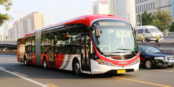 公交车的环保与运营谁更重要?