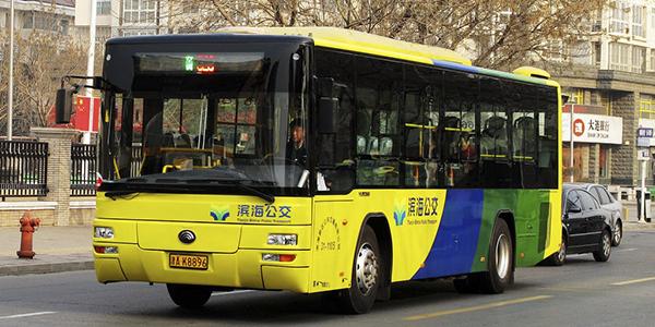 双休日出行 究竟是自驾还是公共交通?