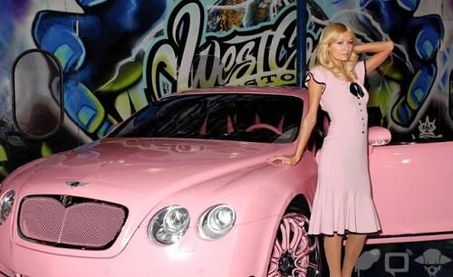 帕丽斯希尔顿与宾利欧陆gt演绎粉色诱惑高清图片