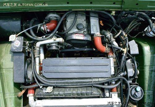...可选一款斯太尔M16六缸发动机,通过电脑调节可实现不同扭矩-图文 ...