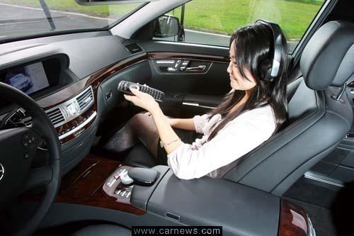 奔驰c200l中控台按钮图解