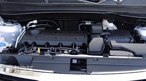 高端/在动力配置方面,智跑搭载KIA最新研发的2.0L和2.0L Theta II...