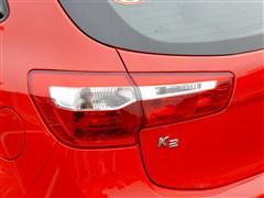 起亚 东风悦达起亚 起亚k2 2012款 两厢 1.6 premium at