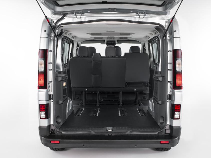 新款日产NV300车型官图 外观更精致动感