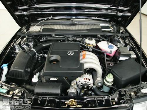 8mt则沿用了桑塔纳3000的ajr发动机,最大功率74kw/5200rpm,最大扭矩15